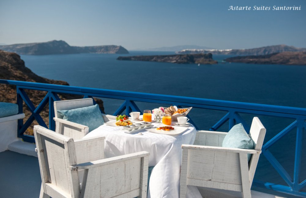 Astarte Suites in Santorini breakfast 2