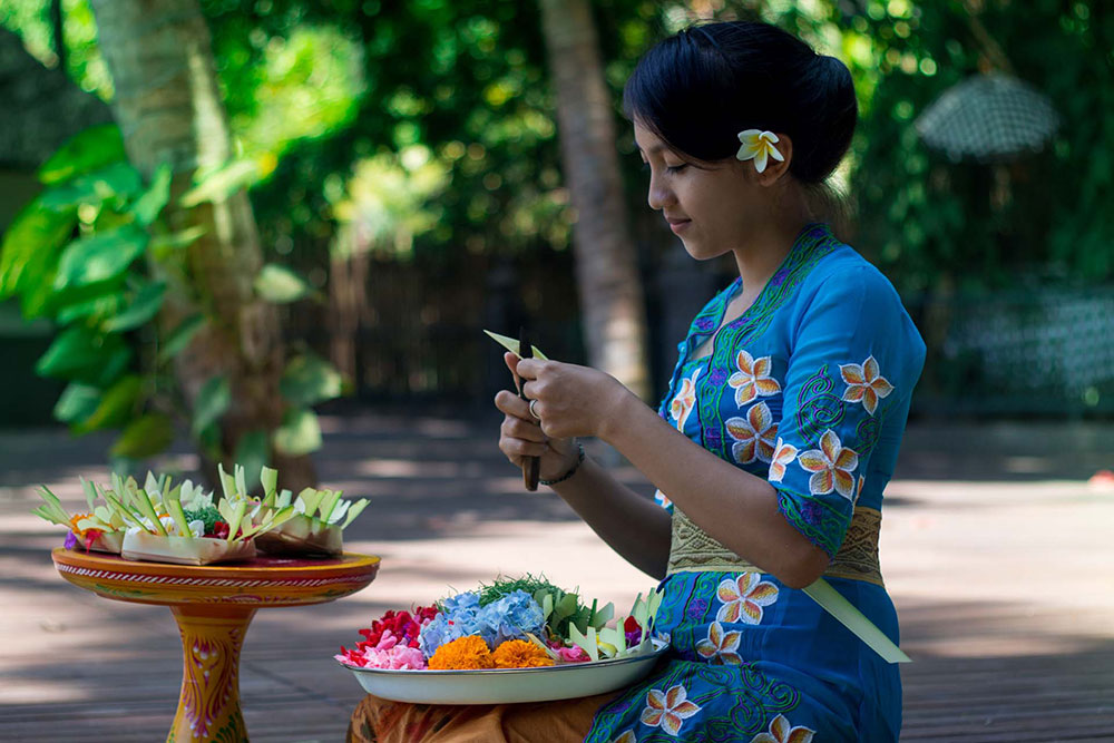 Making-the-offerings