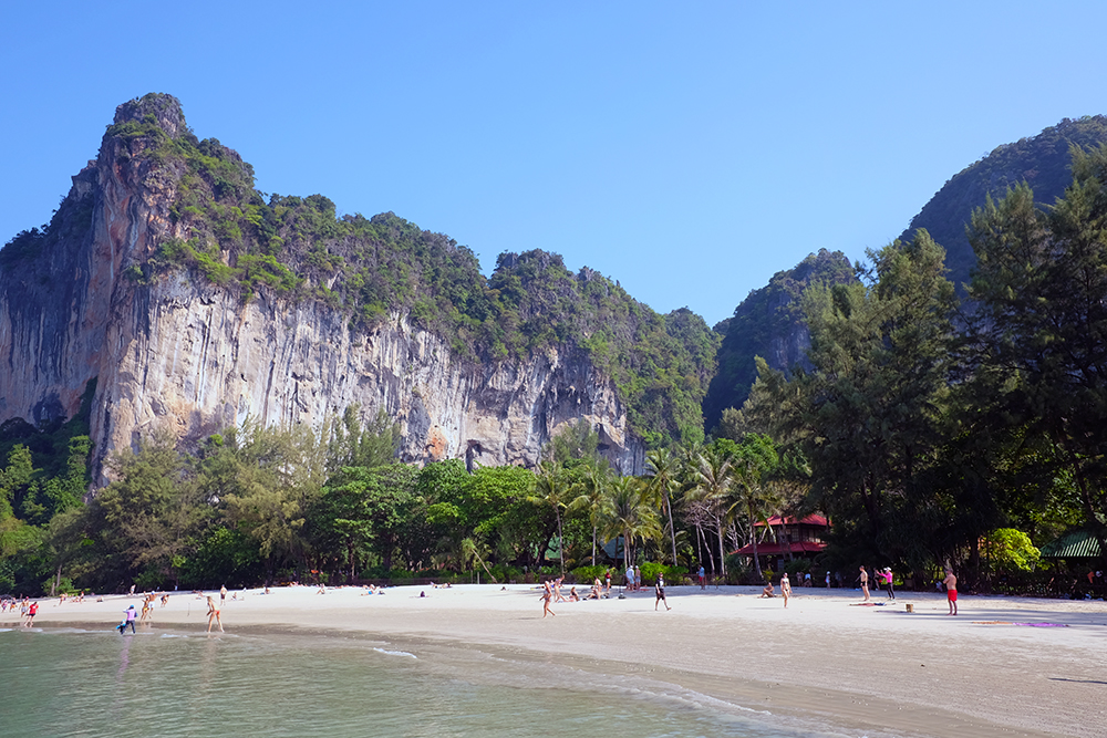 Railay Beach Phra Nang Cave
