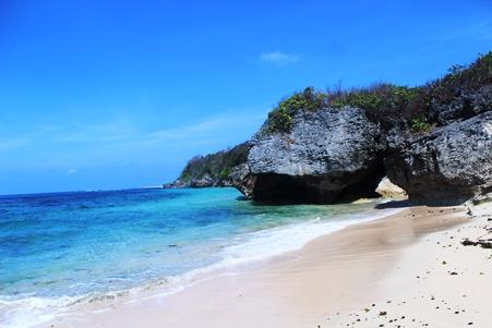 Objek-wisata-Pantai-Geger