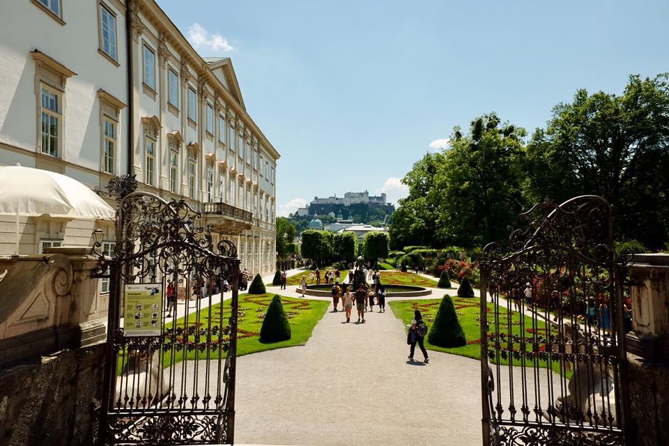 Pintu Gerbang Mirabell Gardens