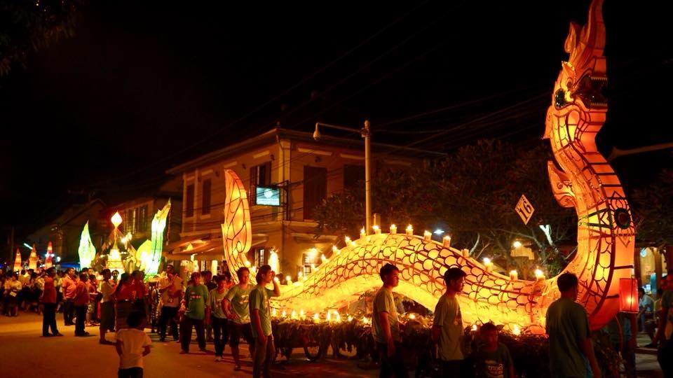 Parade Perahu Lampu di Luang Prabang